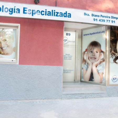 Exterior Clínica Dental Moratalaz